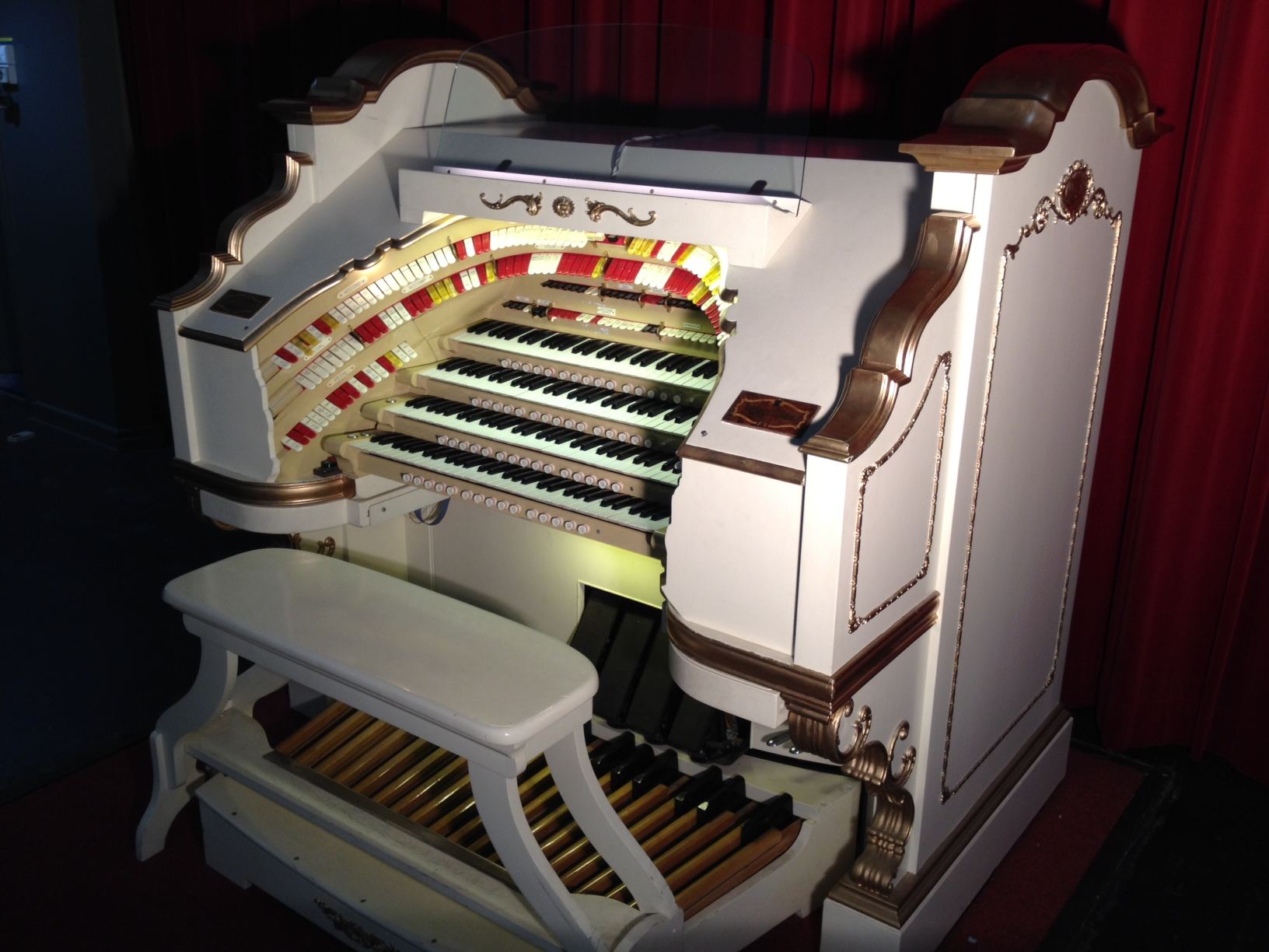 Wurlitzer-tours-classes.jpg